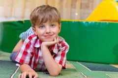 Portret van weinig jongen royalty-vrije stock fotografie