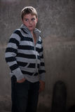 Portret van zachte jongen stelt hierboven aangestoken van te weinig bloot Royalty-vrije Stock Fotografie