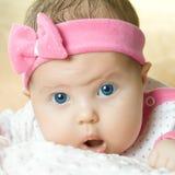 Portret van zeer zoet weinig baby Stock Fotografie