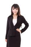 Portret van zeker bedrijfsvrouw, met de handen in de zij wapens Stock Foto's