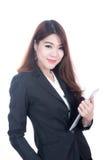 Portret van zekere slimme de tabletcomputer van de bedrijfsvrouwenholding stock afbeeldingen