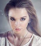 Portret zadziwiająca kobieta zdjęcie stock