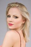 Portret zmysłowa młoda blond kobieta. fotografia royalty free