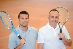 Portreta dwa męscy gracz w tenisa Zdjęcia Royalty Free