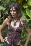 Portreta hipisa piękna dziewczyna w naturze, zamyka up Fotografia Royalty Free