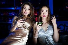 portreta restauraci dwa kobiety młode Zdjęcia Royalty Free