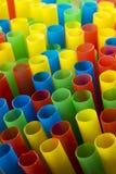 Portretclose-up van kleurrijk het drinken stro Royalty-vrije Stock Afbeelding