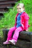Portriat śliczna mała smilling dziewczyna Obrazy Royalty Free