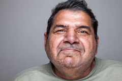 Portriat av en äldre man royaltyfri foto