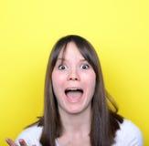 Porträt des Mädchens in kämpfender Stimmung Stockfoto