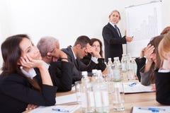 Porträt des traurigen Geschäfts-Teams Lizenzfreie Stockfotografie