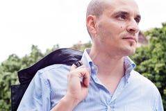 Porträt eines attraktiven herrlichen Kerls Lizenzfreie Stockfotografie