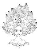 Porträt eines schönen Mädchens mit dem langen Haar mit Blume und Vogel Lizenzfreies Stockfoto