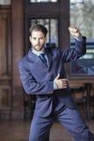 Porträt männlichen Tangos Tänzer-In Suit Performings Argentinien Lizenzfreies Stockfoto