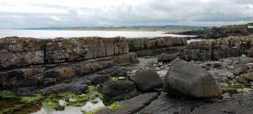 Portrush felsiges Ufer Lizenzfreie Stockfotos