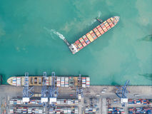 Ports maritimes de paysage le temps de jour photo libre de droits