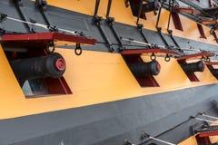 PORTSMOUTH, R-U - 14 AOÛT : HMS Victory Cannons, le flagsh du Nelson Photographie stock