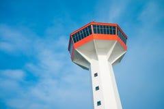 Porttorn med blå himmel, Thailand Royaltyfri Bild