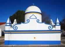Portugal Alentejo region, Evora, Monsaraz typisk springbrunn Arkivbild
