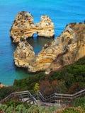 Portugal-, Algarve-Küstenlinienklippen und Meer stockfotos