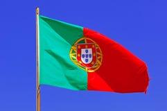 Portugal, Algarve, Sagres: Portugese Vlag royalty-vrije stock foto's