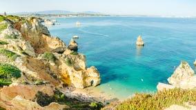 Portugal Algarve strandPraia gör Camilo i Lagos Arkivbilder