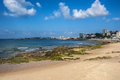 Portugal, Cascais Atlantischer Küstenstreifen lizenzfreies stockfoto