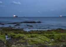 Portugal, Cascais Schiffe, stehend auf dem Überfall lizenzfreie stockfotografie