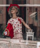 Portugal docka med nationsflaggan och hatten arkivfoto