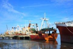 In Portugal een treiler boot van de visserijkabeljauw Stock Foto