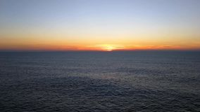 Portugal heeft een kustlijn met vele kilometers mooie stranden stock videobeelden