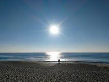 Portugal heeft een kustlijn met vele kilometers mooie stranden royalty-vrije stock fotografie