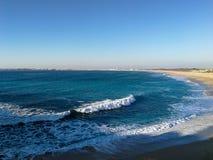 Portugal heeft een kustlijn met vele kilometers mooie stranden royalty-vrije stock foto