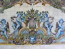 Portugal, historische Azulejo-Keramikfliesen Stockbilder