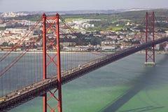 Portugal. Lisboa. O 2ö da ponte de abril Fotos de Stock