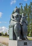 Portugal, Lissabon Fernando Botero-Skulptur Lizenzfreie Stockfotos