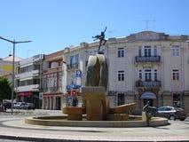 Portugal, Loulé, vista de la fuente con las esculturas Fotografía de archivo libre de regalías