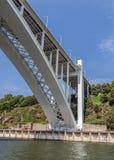 Portugal, Porto De Brug van Arrá bida - één van de acht bruggen van Royalty-vrije Stock Foto's