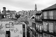 Portugal. Porto stad i svartvitt Arkivbilder