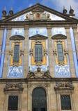 Portugal, Porto; voorzijde van capela das almas stock afbeeldingen