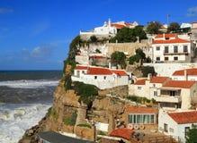 Portugal Sintra, Azenhas fördärvar byn Arkivbild