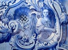 portugal Typisches blaues und weißes ` azulejo ` deckt die Schilderung eines Engels mit Ziegeln Lizenzfreie Stockfotos