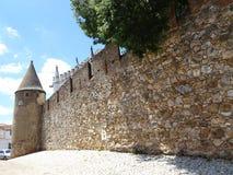 Portugal, Viana hace Alentejo, vista de la pared y de la torre de la fortaleza Imágenes de archivo libres de regalías