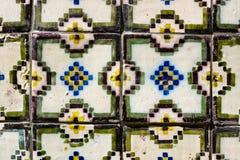 Portugalczyk tafluje azulejos Zdjęcia Royalty Free
