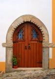 Portugalia, Alentejo, Castelo De Vide Średniowieczny kamienny drzwi Zdjęcie Stock
