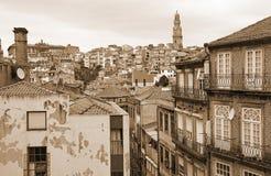 Portugalia bridżowy miasta budowy douro nad część Porto Portugal rzeką widok z lotu ptaka W sepiowy stonowanym styl retro Obraz Stock