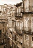 Portugalia bridżowy miasta budowy douro nad część Porto Portugal rzeką widok z lotu ptaka W sepiowy stonowanym styl retro Fotografia Stock