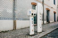 Portugalia, Lisbon, 01 2018 Lipiec: Specjalny miejsce dla refueling elektrycznych pojazdy Życzliwy paliwo Obraz Stock