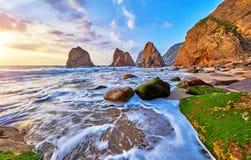 Portugalia Ursa plaży zmierzch przy Atlantyckim oceanem Zdjęcie Stock