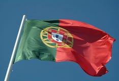 Portugese vlag die aan de wind golft Royalty-vrije Stock Afbeelding